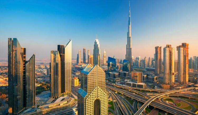DUBAI İÇKİ KISITLAMASINI 2022 YILINDA TAMAMEN KALDIRABİLİR