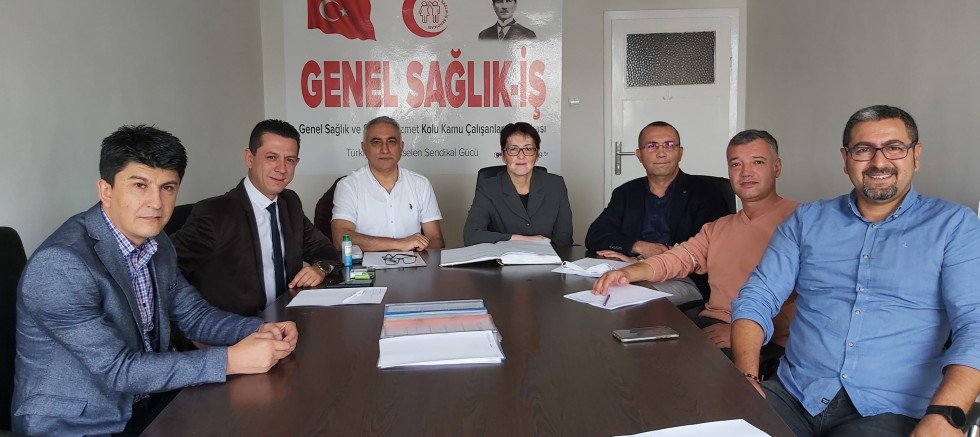 GENEL SAĞLIK İŞ SENDİKASI'NDA YENİ BAŞKAN DERYA UĞUR